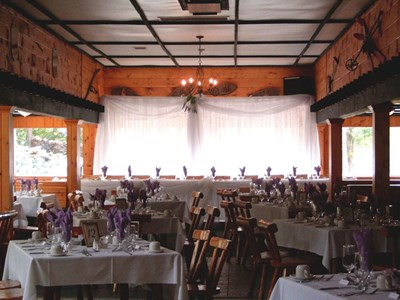 Head Table in the Alpine Room